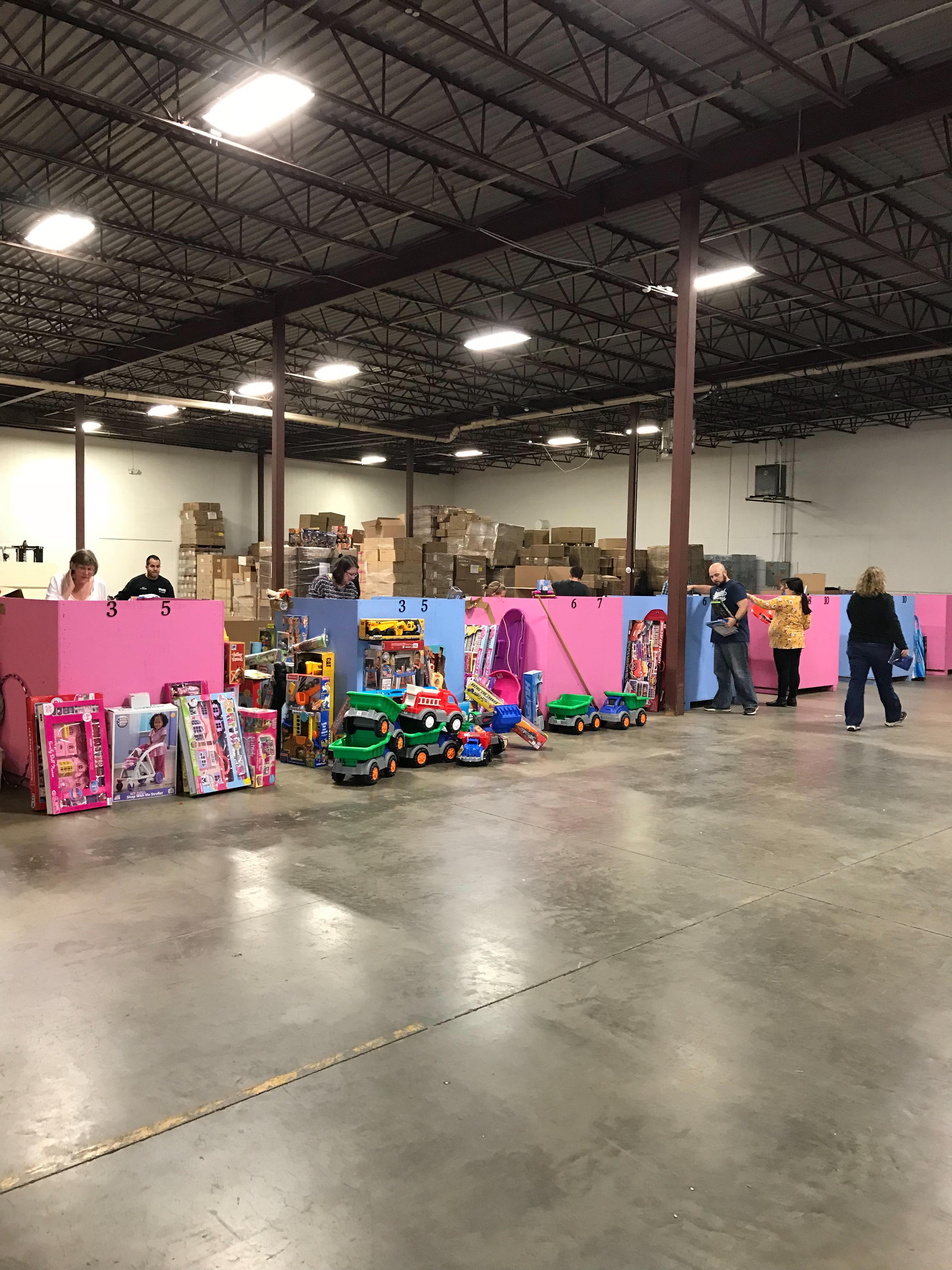 Toys For Tots 1.jpg