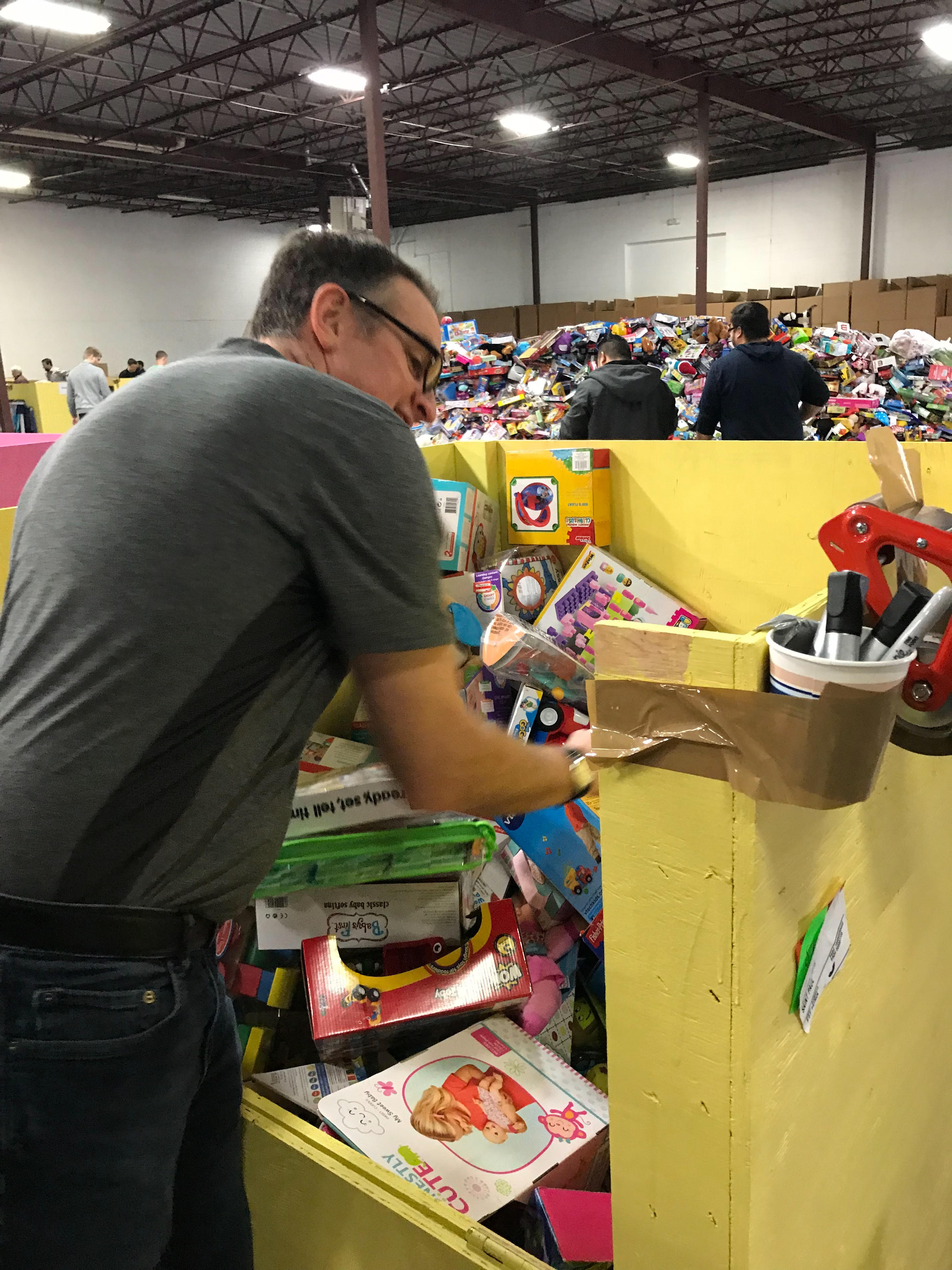 Toys For Tots 2.jpg